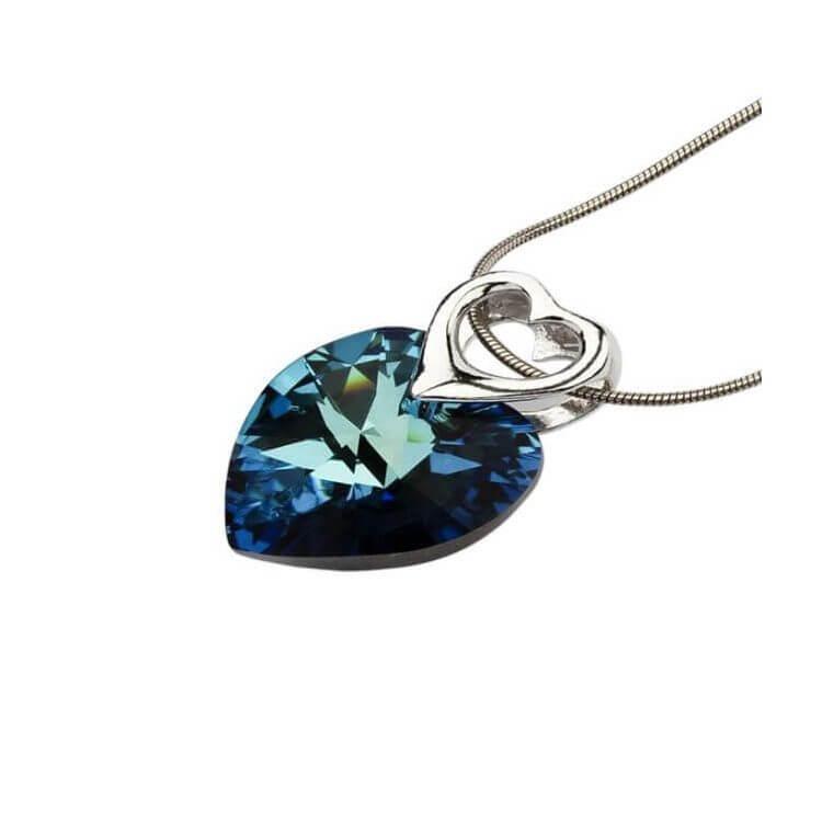 Wisiorek srebrny zdobiony sercem Swarovskiego W 943 Bermuda blue