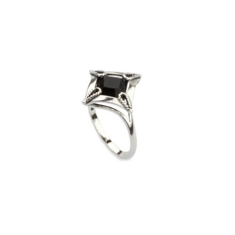 Srebrny pierścionek z kryształami Swarovskiego PK 1812 Jet